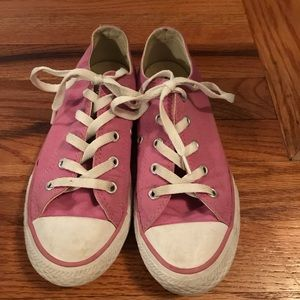 Girl's Pink Converse
